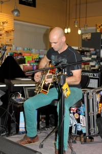 Shawn Kellerman playing Mel Browns guitar